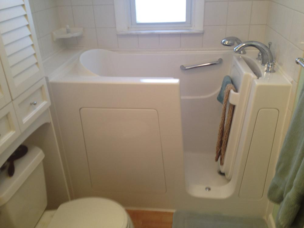 After photo of a Walk in Tub installation in Belle Vernon, PA