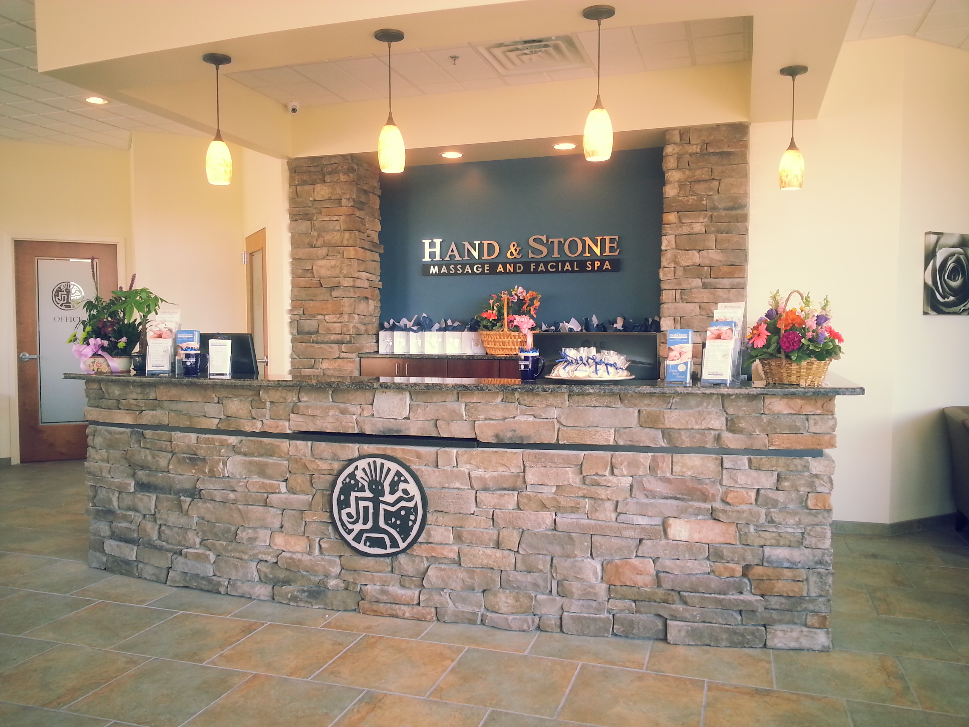 Front Desk Huntingdon Valley
